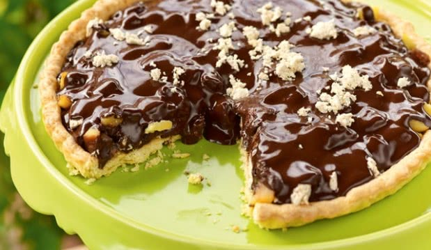 Τάρτα με μήλο, χαλβά, σταφίδες, σοκολάτα και ταχίνι, από την Ιωάννα Σταμούλου και το olivemagazine.gr!