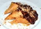 Τρίγωνα πανοράματος με κρέμα λευκής σοκολάτας και επικάλυψη σοκολάτας (VIDEO), από τον Αντώνη Γιαννακάρη και το ionsweets.gr!