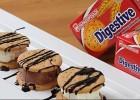 Σαντουιτσάκια Παγωτού με «Digestive» ΠΑΠΑΔΟΠΟΥΛΟΥ και Σιρόπι Σοκολάτας, από το «Λόγω Διατροφής»