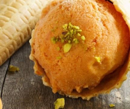 Παγωτό βερίκοκο, από την Ντίνα Νικολάου και το olivemagazine.gr!