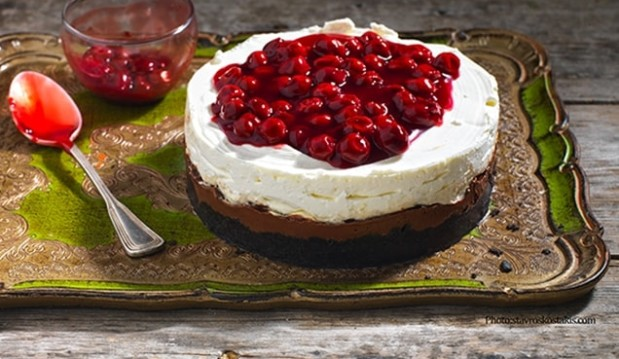 Cheesecake με Merenda και βύσσινο, από την Αργυρώ μας και το argiro.gr!