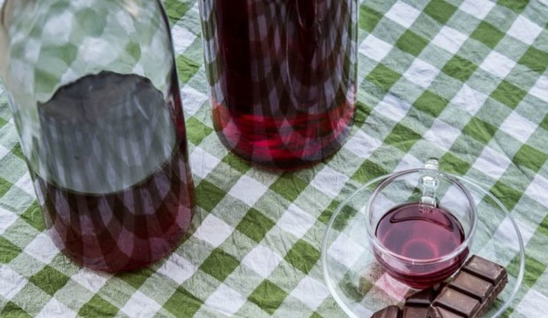 Λικέρ Βύσσινο ή Κεράσι- Cherry or Sour Cherry Liqueur, by Akis and akispetretzikis.com!