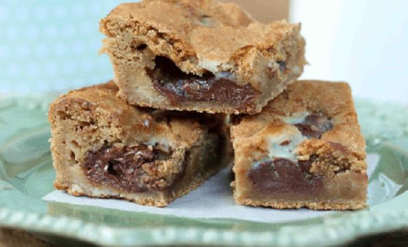 Πάστα Φλώρα με ζύμη Cookies και γέμιση Νουτέλα και ζαχαρούχο γάλα, από το sintayes.gr!