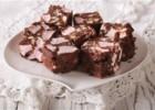 Σοκολατένιες μπάρες με μπισκότο και marshmallows, από τον Δημήτρη Σκαρμούτσο!
