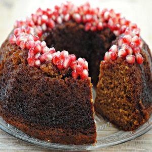 sweet-apple-cake-pomegranate-glaze-49_0-min