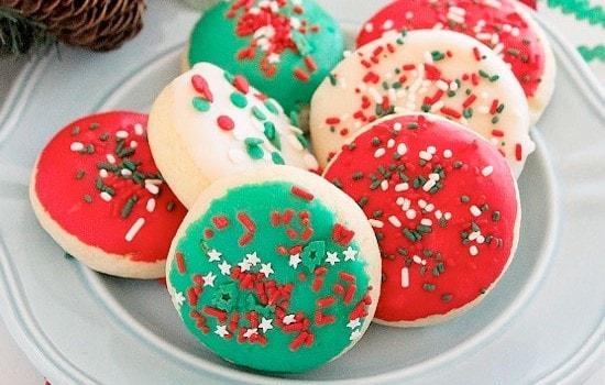Χριστουγεννιάτικα μαλακά μπισκότα βουτύρου, από το sintayes.gr!