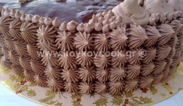 Χριστουγεννιάτικη black forest σοκολάτα, από τη αγαπημένη μας Ρένα Κώστογλου και το koykoycook.gr!