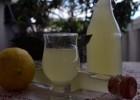 Λικέρ λεμόνι (λιμοντσέλο), από την Ιωάννα Σταμούλου και το sweetly!
