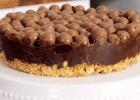 Σοκολατένια τούρτα ψυγείου με μπισκότα και Maltesers(Video), από το sintages.gr!