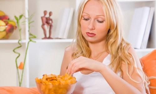 «Πώς θα σταματήσετε να τρώτε συναισθηματικά», από την Βίκυ Χατζηβασιλείου και το omorfamystika.gr!