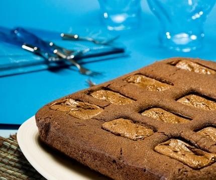 Κέικ γεμιστό με σοκολάτες Mars, από την Σιμόνη Καφίρη και το Olivemagazine.gr!