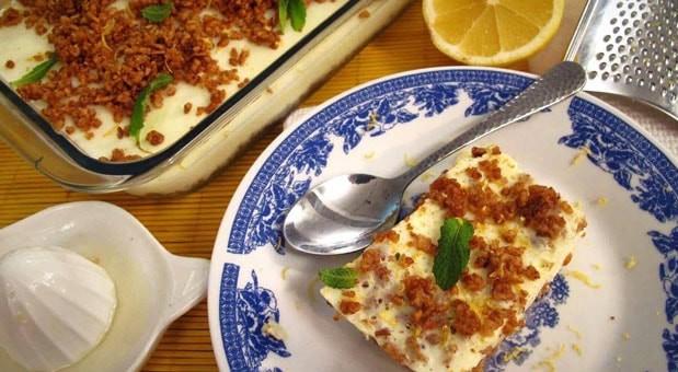 Λεμονόπιτα με τραγανά κραμπλς  μπισκότου, από την Μυρσίνη Λαμπράκη και το mirsini.gr!