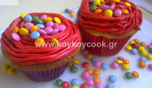 Cupcakes της Αποκριάς με βουτυρόκρεμα και ganache λευκής σοκολάτας, από την Ρένα Κώστογλου και το koykoycook.gr!