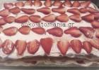 Υπέροχο, πανεύκολο μιλφέιγ με φράουλες & βιολογικό πετιμέζι ΚΑΡΑΓΓΕΛΗ, από το sokolatomania.gr