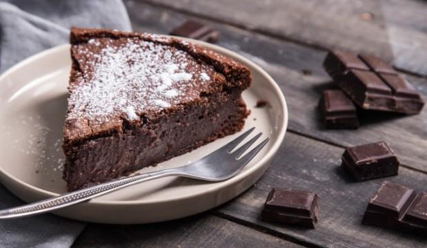 Υγρό κέικ σοκολάτας, από την Μαριλού Παντάκη, την  Nestlé Dessert και το madameginger.com!