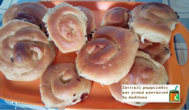 Νηστίσιμο τσουρέκι χωρίς αυγά και γάλα της Ανδριάνας, από την Ανδριάνα και το  workingmoms.gr!