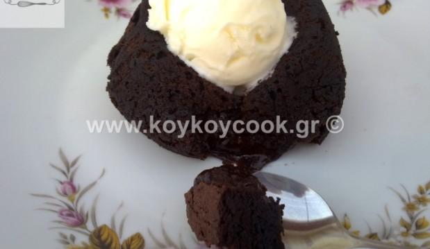 Εύκολο σουφλέ (moelleux) σοκολάτας, από την αγαπημένη Ρένα Κώστογλου και το koykoycook.gr!