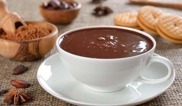 Πώς να φτιάξετε μια λαχταριστή ζεστή σοκολάτα με γάλα καρύδας, από το enallaktikidrasi.com!
