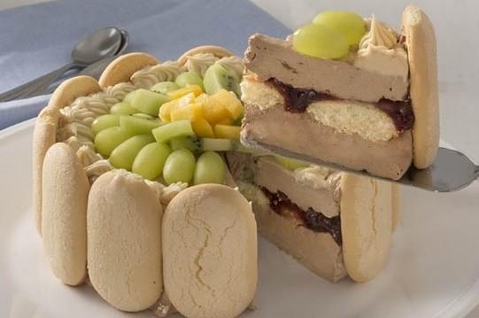 Τούρτα με μπισκότα σαβαγιάρ &  πραλίνα φουντουκιού Fineti, από την CHIPITA και το fineti.com!