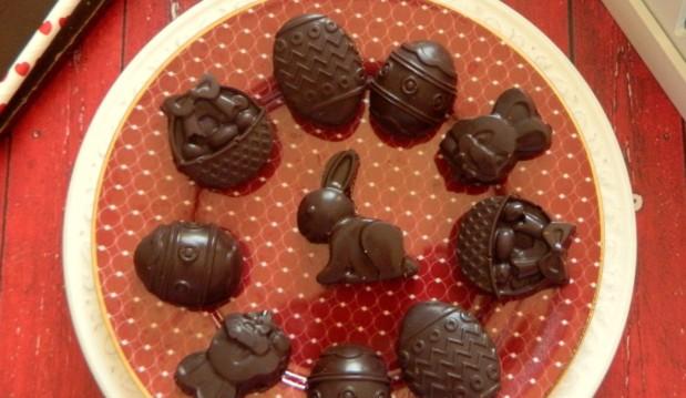 Υγιεινά γεμιστά σοκολατάκια – Chocolate candy by Demetra and the Veggie sisters!