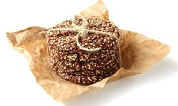 Μπισκότα μαύρης σοκολάτας με σουσάμι, από τον Δημήτρη Σκαρμούτσο!
