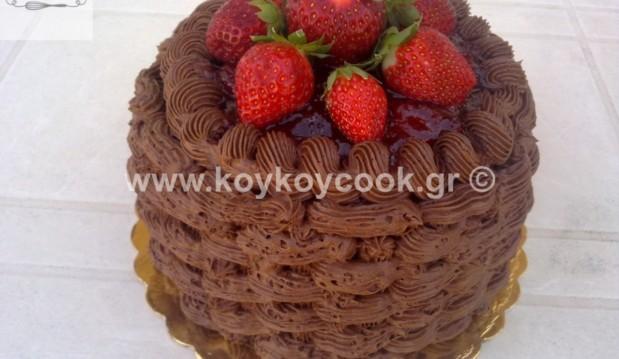 Απίθανη τούρτα σοκολάτα καλάθι με φράουλες, από την αγαπημένη Ρένα Κώστογλου και το koykoycook.gr!