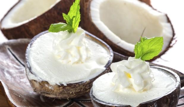 Πανεύκολο παγωτό καρύδα μόνο με 4 ΥΛΙΚΑ , από το sokolatomania.gr!