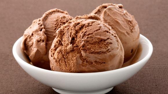 Πανεύκολο, γρήγορο , βελούδινο  παγωτό κακάο μόνο ΜΕ 4 ΥΛΙΚΑ, από το sokolatomania.gr!
