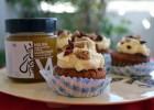 Cupcakes καρότου με μπανάνα καρύδια και superfood μέλι Μelira, από την Ιωάννα Σταμούλου και το sweetly!
