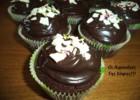 Υπέροχα σοκολατένια muffins, από τη Σόφη Τσιώπου και τις Λιχουδιές της Σόφης!