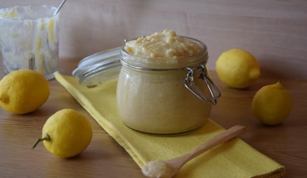 Κρέμα λεμονιού μόνο ΜΕ 3 ΥΛΙΚΑ, χωρίς βούτυρο και αυγά, από την Ευαγγελία Βλασσοπούλου και το healthy-and-delicious-recipes.blogspot.gr!