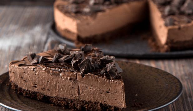 Τσιζκέικ ψυγείου με σοκολάτα, από την κουβερτούρα NESTLÉ DESSERT και το glikessintages.gr!