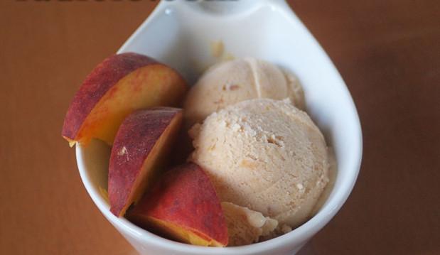 Παγωτό ροδάκινο από την Luise και το radicio.com!