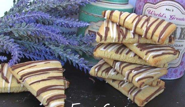 Μπισκοτάκια βανίλιας με 2 σοκολάτες, από την Δήμητρα και τον Λευτέρη τoυ foodstates.gr!