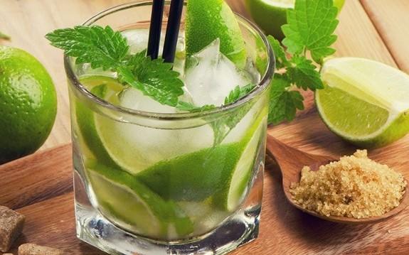 Φτιάχνουμε κλασικό Mojito, από την Ιωάννα Σταμούλου και το olivemagazine.gr!