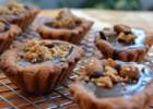 Ταρτάκια μουστοκούλουρο με γέμιση σοκολάτα, καφέ και καρύδια, από την Ιωάννα Σταμούλου και το sweetly!