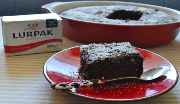 Μαμαδίστικο κέικ κατσαρόλας, από την Ιωάννα Σταμούλου και το sweetly!