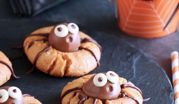Μπισκότα αράχνες με φυστικοβούτυρο και σοκολάτα, από την Ερμιόνη Τυλιπάκη και το «The one with all the tastes»!