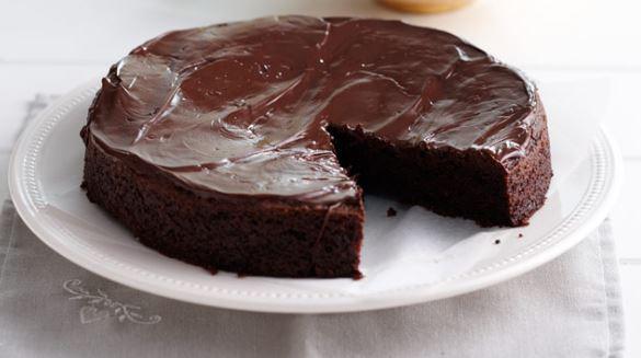 Σοκολατόπιτα με γλάσο σοκολάτας, από το sintayes.gr!