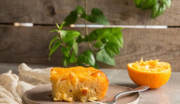 Ζουμερή και νόστιμη πορτοκαλόπιτα με τζίντζερ, από την Μαριλού Παντάκη και τo madameginger.com!