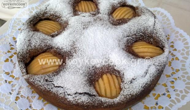 Υγρό σοκολατένιο κέικ αμυγδάλου με αχλάδια, από την αγαπημένη Ρένα Κώστογλου και το koykoycook.gr!
