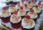 Χριστουγεννιάτικα cupcakes με βουτυρόκρεμα λευκής σοκολάτας, από την αγαπημένη Ρένα Κώστογλου και το koykoycook.gr!