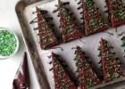 Χριστουγεννιάτικα κέικ σοκολάτας σε σχήμα δέντρου, από το infokids.gr!