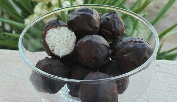 Σοκολατάκια από καρύδα και λευκά φασόλια (gluten free), από την Διαιτολόγο – Διατροφολόγο Διαμαντοπούλου Ελεάνα και το «Χορτοφαγία & υγιεινή διατροφή»!