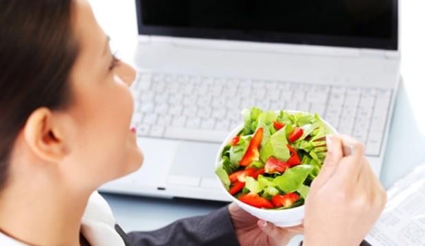 «Διατροφή στο γραφείο: τα πιο συχνά λάθη», από τον Αναστάσιο Παπαλαζάρου,PhD  και το nutrimed.gr!