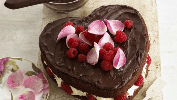 Σοκολατένια τούρτα καρδιά, από το sintayes.gr!