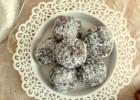 Νηστίσιμα τρουφάκια καρύδας ΜΟΝΟ ΜΕ 3 ΥΛΙΚΑ, από την Λένια και τις Veggiesisters!