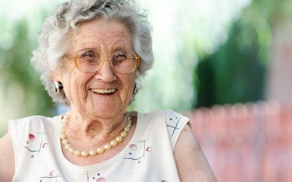"""8 γιατροσόφια της γιαγιάς που όντως """"πιάνουν""""!, από την Βίκυ Χριστοπούλου και το olivemagazine.gr!"""