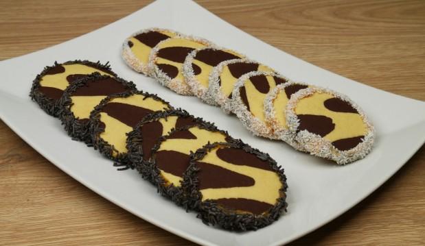 Τραγανά μπισκότα ζέβρα (VIDEO) , από τους Χάρη και Μιχάλη Καρελάνη και  το redmoon- foodaholics.gr!