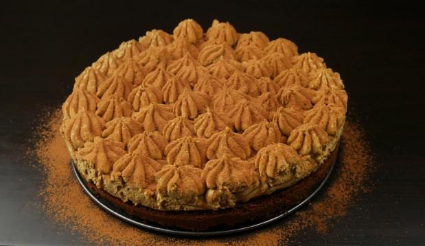 Αρωματική τούρτα με γεύση μόκα, από τους Χάρη και Μιχάλη Καρελάνη και το Redmoon-foodaholics.gr!